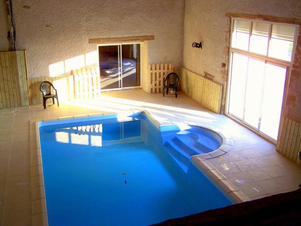 Le gite de l 39 hirondelle en charente for Gite piscine interieure